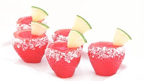 Strawberry-Maragarita-Jello-Shooter-Bakers-Royale100.jpg